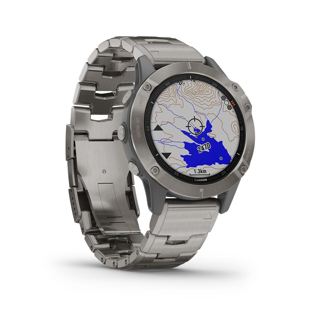 GARMIN FENIX 6 SAPPHIRE Grau/Titan Titan-Luenette Saphirglas mit QUICKFIT-Titan-Armband 22mm + Silikon-Armband Orange